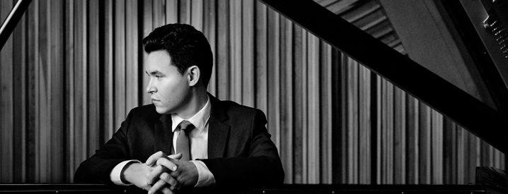 Pianist Matthew Graybil