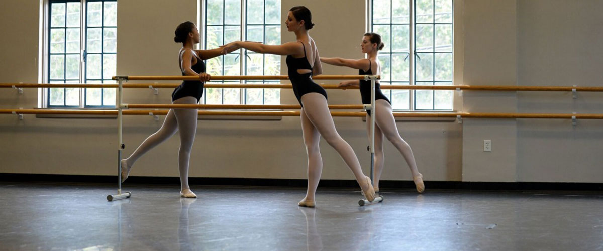 HCC Dancers practice ballet